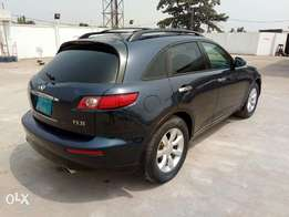 A smooth and neatly used 2004 infiniti fx35, Leather, ac, cd, alloy.
