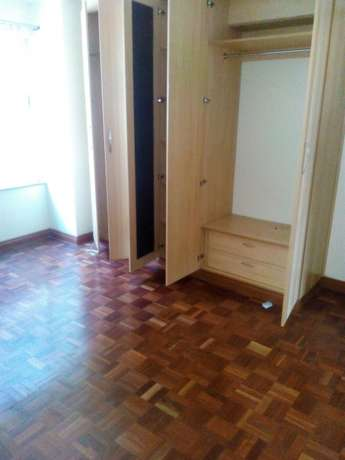 Stunning three bedroom for rent near yaya center Kilimani - image 7