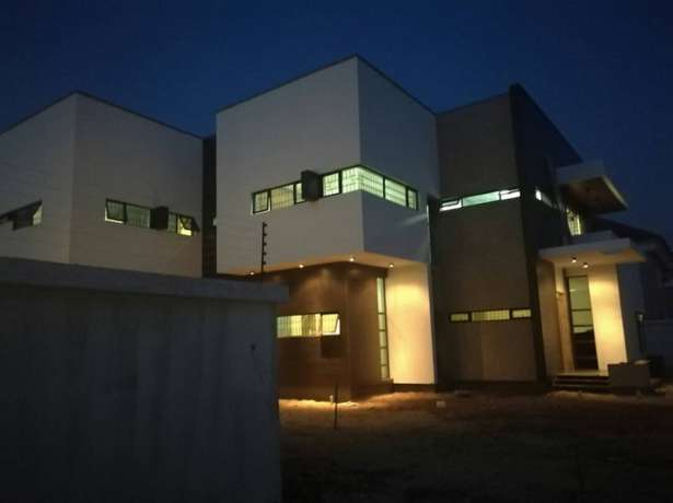 Brand new 5bedroom duplex 2rooms bq and a swimming pool in VGC200 Lekki - image 2
