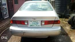 Neatly used TOYOTA CAMRY 2001 model Lagos cleared
