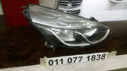 Renault Clio 4 Right Headlight for Sale