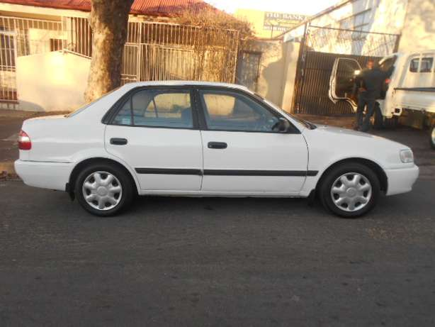 2001 White Toyota Corolla Crystal Lite 1.6 for sale Johannesburg - image 5