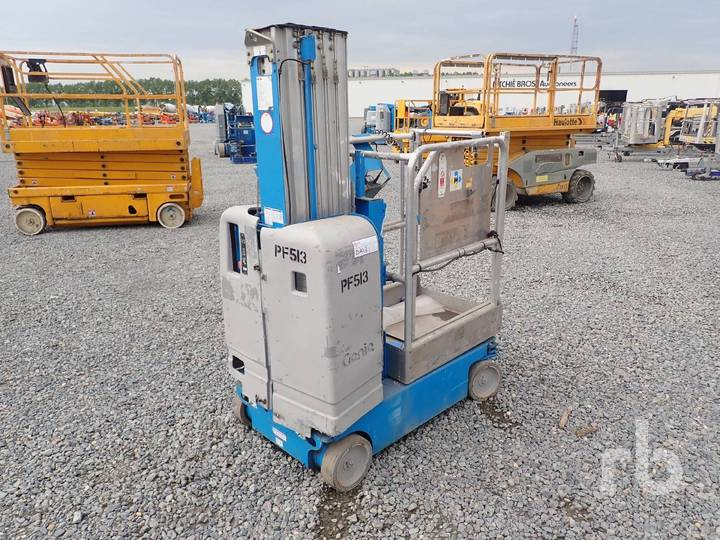 Genie GR20 Electric Vertical Manlift - 2007