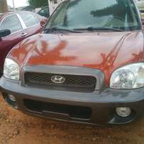 Very clean tokumbo Hyundai Santa Fe for quick sale