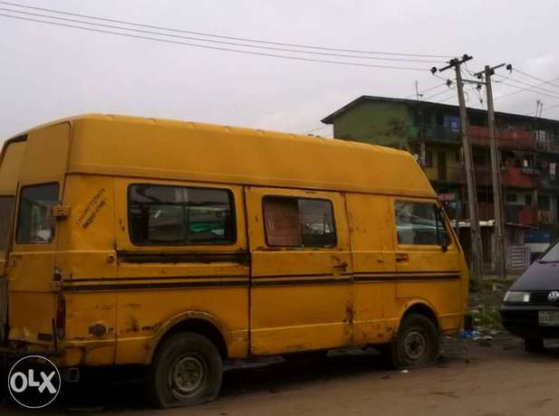 LT bus with Lagos colour Ilasamaja - image 5