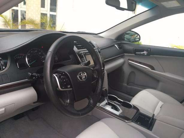 super clean toyota camry 2012 xle full option Durumi - image 3