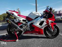 Yamaha YZF R1 Red Seat Collector's Item