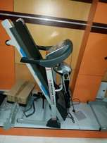 Exercise and massage yourself in this treadmill 2hp with Massager