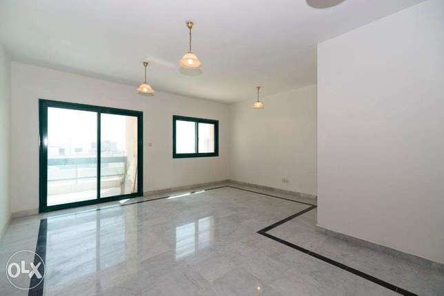 Salmiya, sea view 2 bdr apartment with balcony and common pool