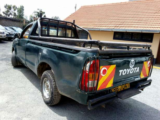 Affordable toyota Hilux 2008 Hurlingham - image 2
