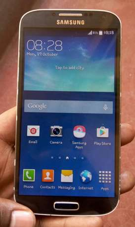 Samsung Galaxy S4 on quick sale, very clean in excellent condition Umoja - image 2