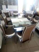 Expandable dining table sets