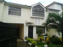 4 bed maisonette 4 sale beach road Nyali