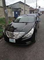 Very clean Hyundai sonata for sale