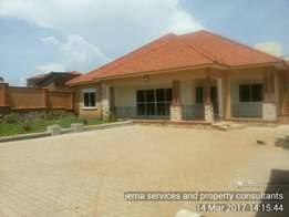 A nice looking house ready for sale at only 550m negotiable