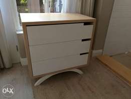 Maple melamine cot and matching compactum new