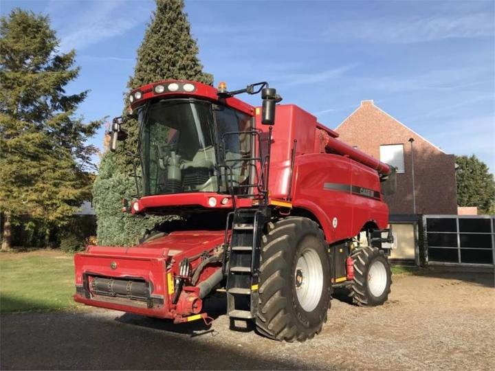Case IH 8120 Axial Flow - 2011