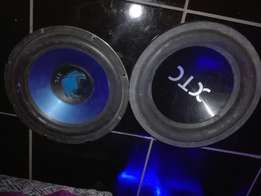 Hy im selling my two 12 inch on a price of 800