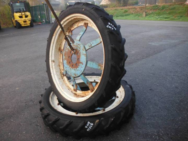 Dunlop 9.5r44