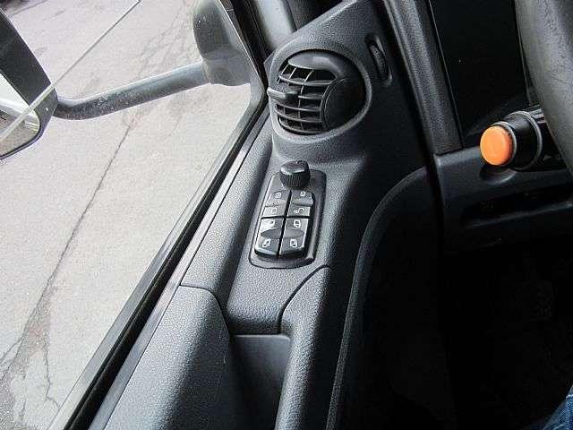 Mercedes-Benz 824 Atego Pritsche Plane 1. Hand Klima AHK - 2010 - image 13