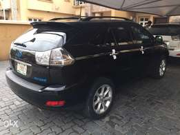Very clean,sound,smart and super sharp Tokunbo LEXUS RX350 09model