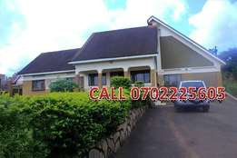 Mansionate 7 bedroom house for sale in Lubaga at 850m