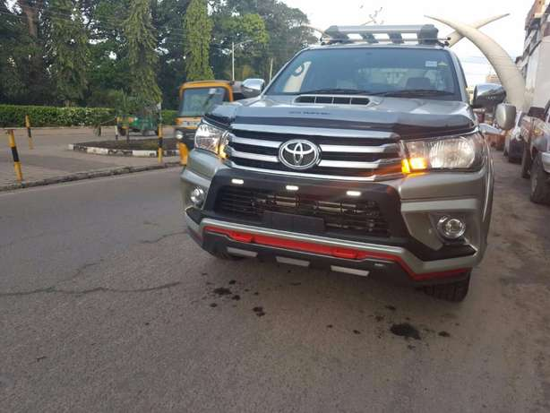 Toyota Hilux Double Vigo 4WD 3000Cc Diesel Turbo Engine 2010 Automatic Mlolongo - image 4
