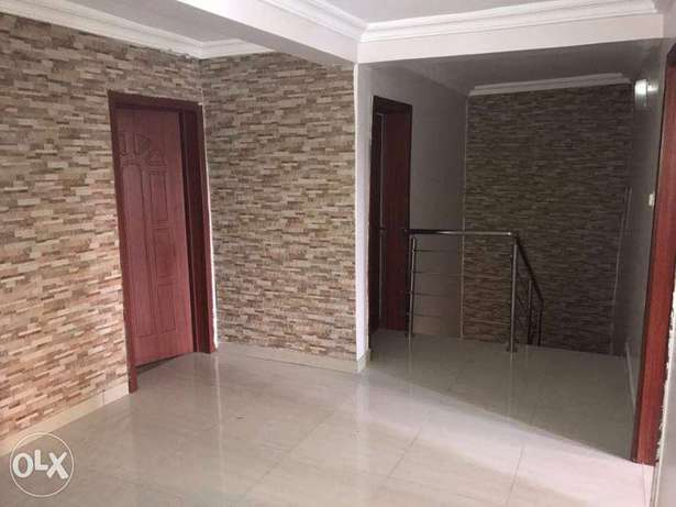Luxury 4bedrooms duplex with a rom bq for sale inside Lekki phase1 75M Ojodu - image 4