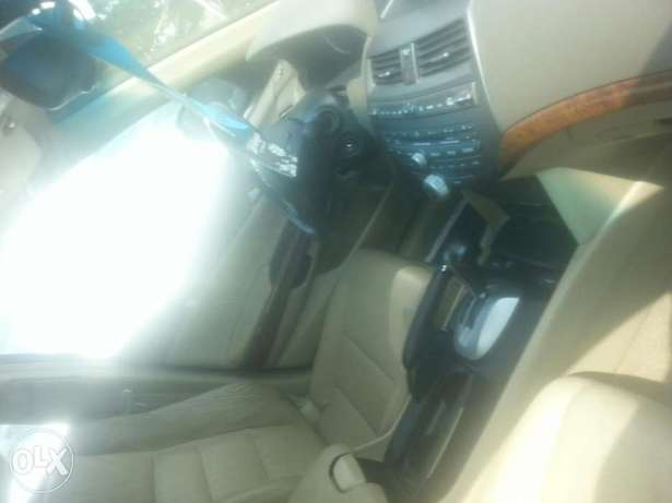 Tincan cleared tokunbo honda accord 2009 leather seat Apapa - image 3