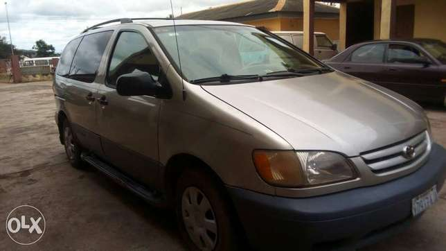Toyota sienna at affordable price Akure South - image 6
