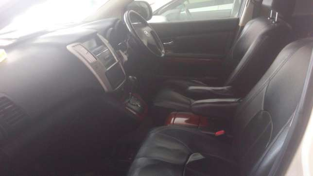 Very clean accident free Toyota Harrier On Sale Mombasa Island - image 5