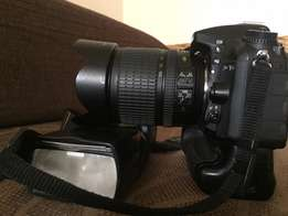 NIKON D7100 camera for quick sale