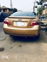 Well maintained 2008 Toyota Camry (leather)