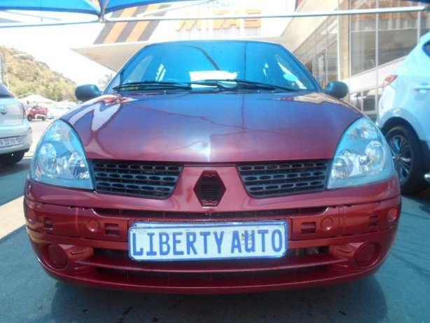 2006 Renault Clio 1.2 Expression Full Service History, Manual Gear 186 Johannesburg CBD - image 3