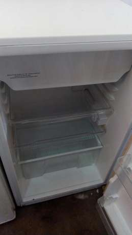 Single door fridge with freezer Nairobi CBD - image 2