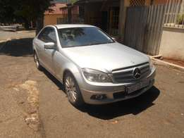 Mecerdes-Benz C200 Kompressor, 2009 model, Automatic, Full house