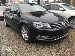 Volkswagen Passat 2012 black leather sunroof bluemotion engine