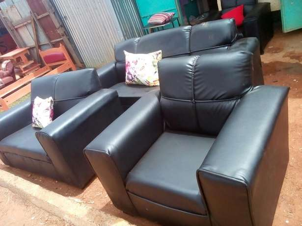 N Sofa set Eldoret North - image 2