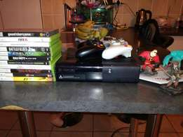 Xbox 360 + games + 2 controllers