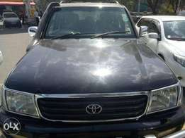 Toyota Mzungu owner very clean landcruiser vx black diesel sunroof