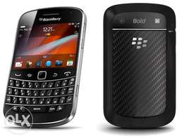 Neat BlackBerry Bold 5 with Charger