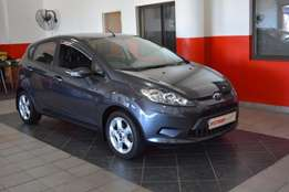 Ford Fiesta 1.6 Trend 5 DR( 2010 )Excellent Condition-All the luxuries