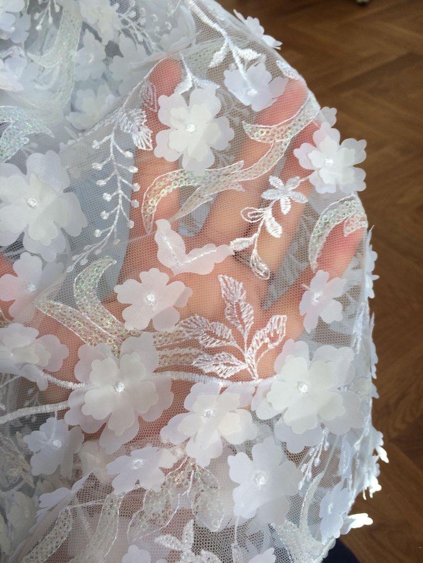 041fc4c852e Originální krajkové svatební šaty šité na míru - Dámská móda ...