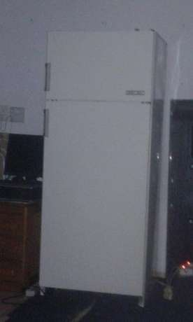 Am selling my bosch fridge still in very good condition there is more Pretoria West - image 6