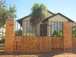 Beautiful Repossessed Property in Protea Glen Extension 3