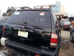 Nissan pathfinder First body