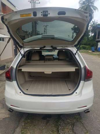 Clean 2014 Used Toyota Venza for sale Lekki - image 5