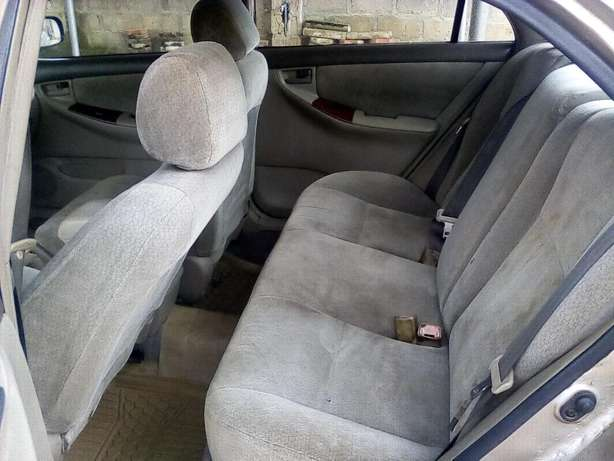 clean used toyota corolla 2004 model LE Akure South - image 7
