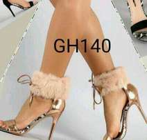 Ankle strap fur size 40(champagne gold) heels