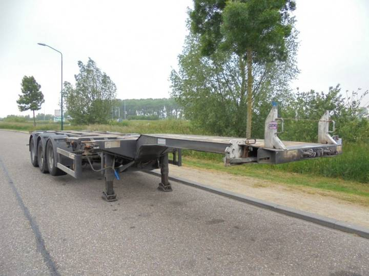 D-tec 3-Axle Chassis / Extendable / BPW / Liftaxle / APK / NL - 2006